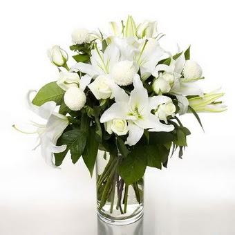 Gölbaşı çiçek gönder cicekciler , cicek siparisi  1 dal cazablanca 7 adet beyaz gül vazosu
