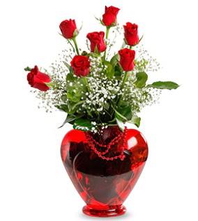 Kalp cam içinde 7 adet kırmızı gül  Gölbaşı çiçekçi güvenli kaliteli hızlı çiçek