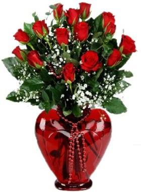 Cam kalp içerisinde 15 kırmızı gül  Gölbaşına çiçek , çiçekçi , çiçekçilik