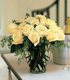 Gölbaşı çiçekçi güvenli kaliteli hızlı çiçek  11 adet sari gül mika yada cam vazo tanzim