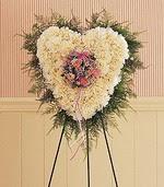 Gölbaşı çiçekçi güvenli kaliteli hızlı çiçek  kalp pano beyaz karanfillerden