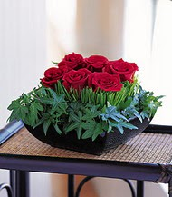 Gölbaşı çiçekçi güvenli kaliteli hızlı çiçek  10 adet kare mika yada cam vazoda gül tanzim