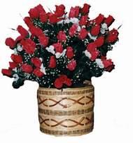 yapay kirmizi güller sepeti   Çiçek yolla Gölbaşı internetten çiçek satışı