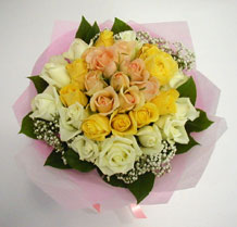sari ve beyaz gül karisimda   Gölbaşı çiçek online çiçek siparişi