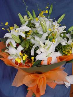 Gölbaşı çiçek siparişi yurtiçi ve yurtdışı çiçek siparişi  5 ADET KAZABLANKA BUKETI KALITEDEN SASMAYANLARA