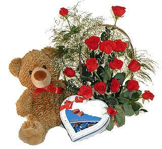 Gölbaşı çiçek kaliteli taze ve ucuz çiçekler  12 adet kirmizi gül bir kutu çikolata ve ayicik