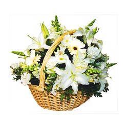 sepet içerisinde mevsim çiçeklerinden aranjman  Gölbaşına çiçek , çiçekçi , çiçekçilik