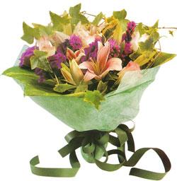 karisik mevsim buketi anneler günü ve sevilenlere  Gölbaşı çiçek kaliteli taze ve ucuz çiçekler
