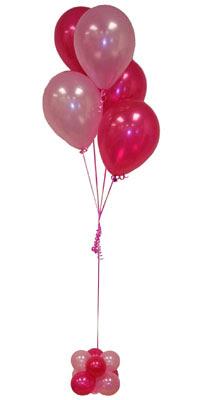 Sevdiklerinize 17 adet uçan balon demeti yollayin.  Gölbaşı çiçek kaliteli taze ve ucuz çiçekler