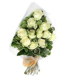 Ankara Gölbaşı çiçek siparişi vermek  12 li beyaz gül buketi.