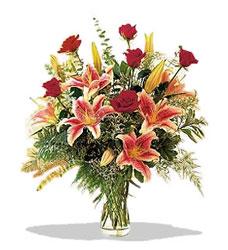 Çiçekçi Gölbaşı çiçekçi mağazası  Pembe Lilyum ve Gül