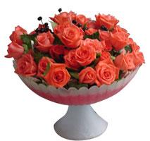 Gölbaşı çiçekçi telefonları  cam vazo içinde güller