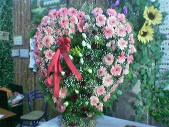 Ankara Gölbaşı 14 şubat sevgililer günü çiçek  SEVDIKLERINIZE ÖZEL KALP PANO