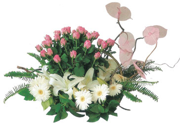 Ankara Gölbaşı hediye sevgilime hediye çiçek  Çok özel sevdiklerinize çiçek tanzimi