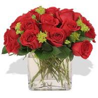 Gölbaşı anneler günü çiçek yolla  10 adet kirmizi gül ve cam yada mika vazo