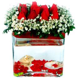 Gölbaşı Ankara çiçek yolla  12 adet kirmizi gül cam yada mika vazoda