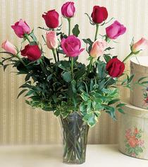 Gölbaşı çiçekçiler  çiçek siparişi sitesi  12 adet karisik renkte gül cam yada mika vazoda