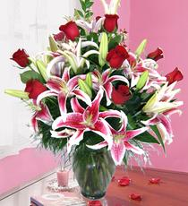 Ankaradaki çiçekçiler Gölbaşı cicek , cicekci  harika vazo tanzimi gül - kazab