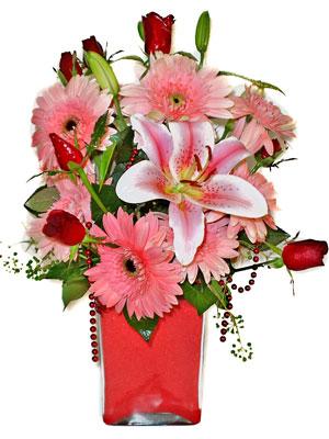 Gölbaşı Ankara çiçek yolla  karisik cam yada mika vazoda mevsim çiçekleri mevsim demeti