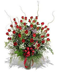 Gölbaşı çiçekçi güvenli kaliteli hızlı çiçek  33 adet kirmizi gül vazo içerisinde