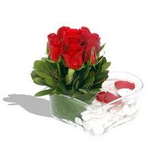 Mika kalp içerisinde 9 adet kirmizi gül  Çiçekçi Gölbaşı çiçekçi mağazası