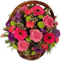 Güller ve kir çiçekleri sevilenlerin çiçegi  Gölbaşına çiçek , çiçekçi , çiçekçilik