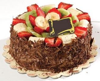 pastaci firmasindan 4 ile 6 kisilik çikolata meyvali yaspasta  Gölbaşı çiçekçi güvenli kaliteli hızlı çiçek