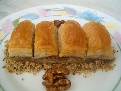 online pastane Essiz lezzette 1 kilo cevizli baklava  Gölbaşı Ankara çiçek yolla