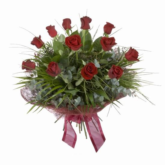 Etkileyici buket 11 adet kirmizi gül buketi  Gölbaşı çiçek siparişi yurtiçi ve yurtdışı çiçek siparişi