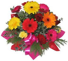 Karisik mevsim çiçeklerinden buket  Gölbaşı ucuz çiçek gönder