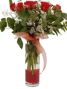 Gölbaşı çiçekçi telefonları  11 adet kirmizi gül vazo çiçegi