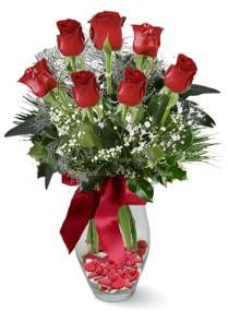 7 adet vazoda gül  Gölbaşı çiçek siparişi yurtiçi ve yurtdışı çiçek siparişi  kirmizi gül