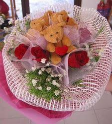 3 adet pelus ayicik ve 3 adet yapay gül  Gölbaşı çiçek yolla , çiçek gönder , çiçekçi
