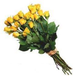 Ankara Gölbaşındaki çiçekçiler ankara çiçek satışı  12 adet sari gül buketi özel