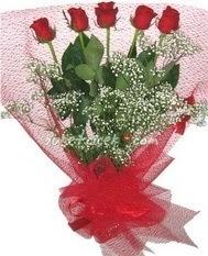 5 adet kirmizi gülden buket tanzimi  Ankara Gölbaşı çiçekçi uluslararası çiçek gönderme