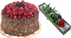 1 adet yas pasta ve 1 adet kutu gül  Gölbaşı çiçekçi telefonları