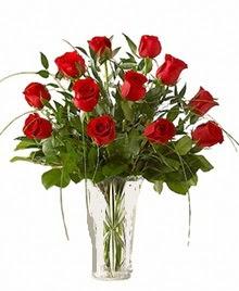 cam yada mika vazo içerisinde 9 kirmizi gül  Gölbaşı çiçekçi güvenli kaliteli hızlı çiçek