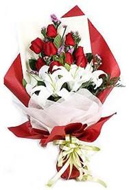 ankara Gölbaşı çiçek mağazası , çiçekçi adresleri  9 adet gül 2 adet kazablanka buketi