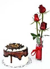 Ankara çiçekçi Gölbaşı İnternetten çiçek siparişi  vazoda 3 adet kirmizi gül ve yaspasta