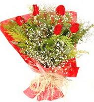 Gölbaşına çiçek , çiçekçi , çiçekçilik  5 adet kirmizi gül buketi demeti