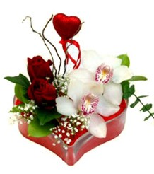 Gölbaşı ankara çiçek gönderme sitemiz güvenlidir  mika kalp içinde 2 gül 1 kandil orkide kalp çubuk