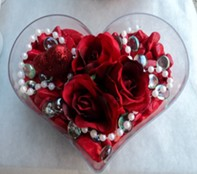 Gölbaşı Ankara çiçek yolla  mika kalp içerisinde 3 adet gül ve taslar