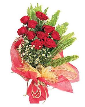 Ankaradaki çiçekçiler Gölbaşı cicek , cicekci  11 adet kırmızı güllerden buket modeli
