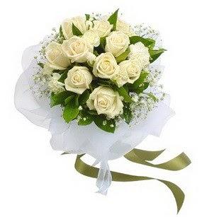 Ankara Gölbaşı çiçek siparişi vermek  11 adet benbeyaz güllerden buket