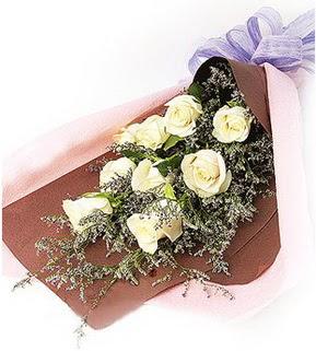 Gölbaşı Ankara çiçek yolla  9 adet beyaz gülden görsel buket çiçeği