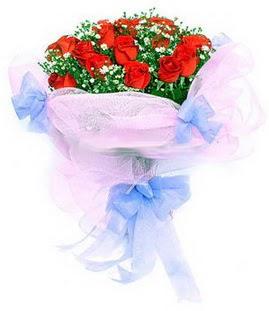 Gölbaşı çiçekçi güvenli kaliteli hızlı çiçek  11 adet kırmızı güllerden buket modeli