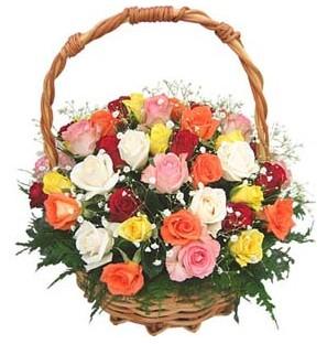 Gölbaşı çiçek yolla , çiçek gönder , çiçekçi   29 adet rengarenk gül sepeti tanzimi