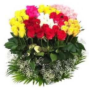 Gölbaşı çiçekçiler  çiçek siparişi sitesi  51 adet renkli güllerden aranjman tanzimi