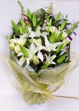 Çiçekçi Gölbaşı çiçekçi mağazası  3 adet kazablankalardan görsel buket çiçeği