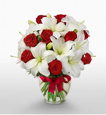 ankara Gölbaşı çiçek mağazası , çiçekçi adresleri  1 dal kazablanka 11 adet kırmızı gül vazosu